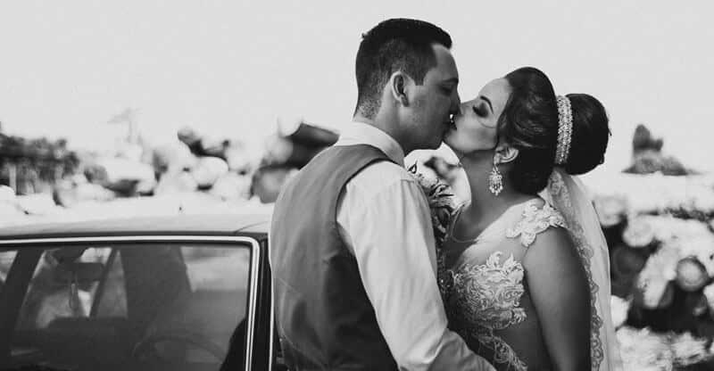 baiser pendant un mariage